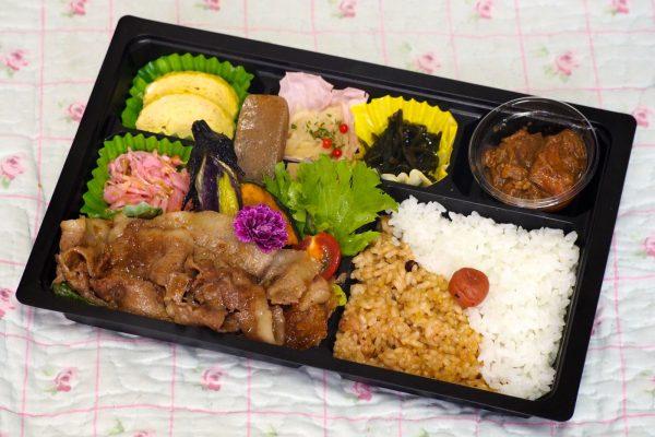 ⑯【無水カレー付き】道産黒毛和牛焼き肉弁当