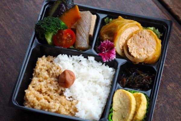 ①道産鶏挽き肉のロールキャベツ弁当